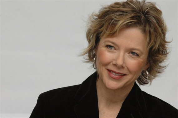 ANNETTE BENING. Bening doesn't do flashy. She doesn't grandstand. Or pose.